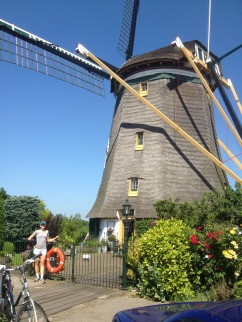 A working windmill in Hillegersberg.