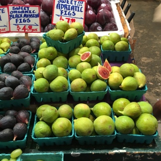 The beautiful figs of Pike Place Market!